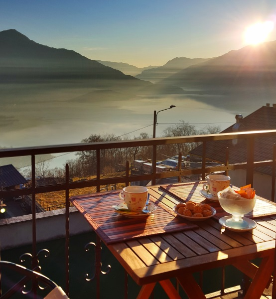 tamola-breakfast